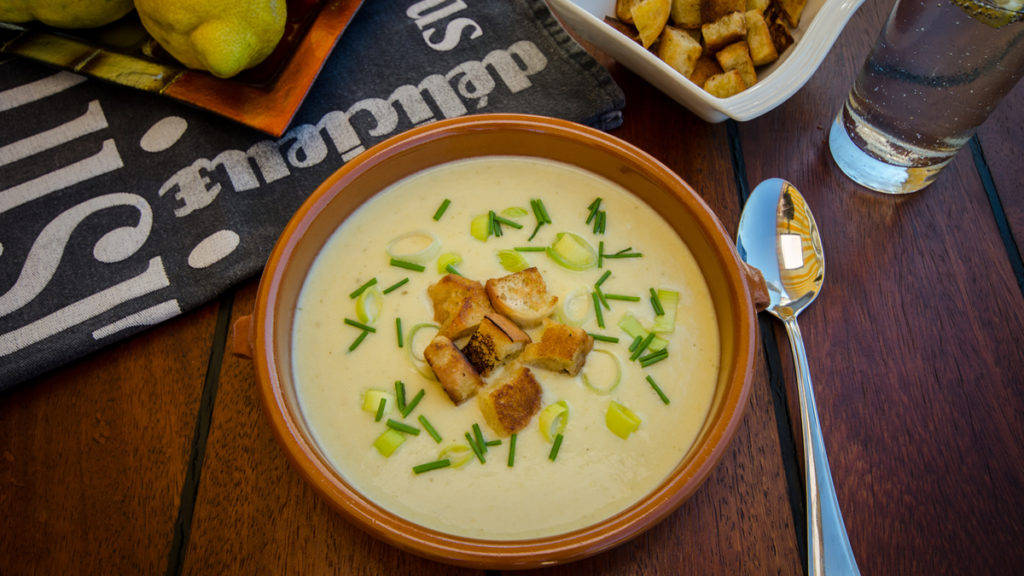 Lauchcremesuppe mit Croutons