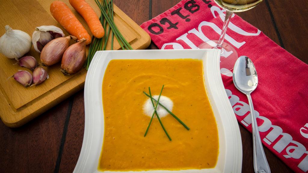 Karottencremesuppe mit Kokosmilch und Ingwer